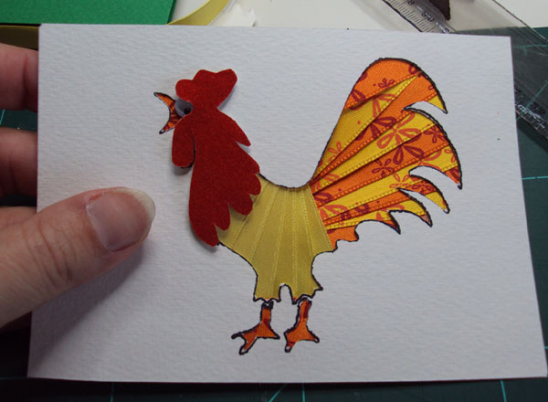 Новогодняя открытка с петушком в технике айрис-фолдинг. Мастер-класс